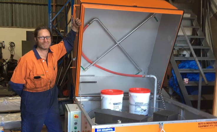Rod Morrison from Cylinder Head Rebuilders giving their Parts Washer the Thumbs Up.